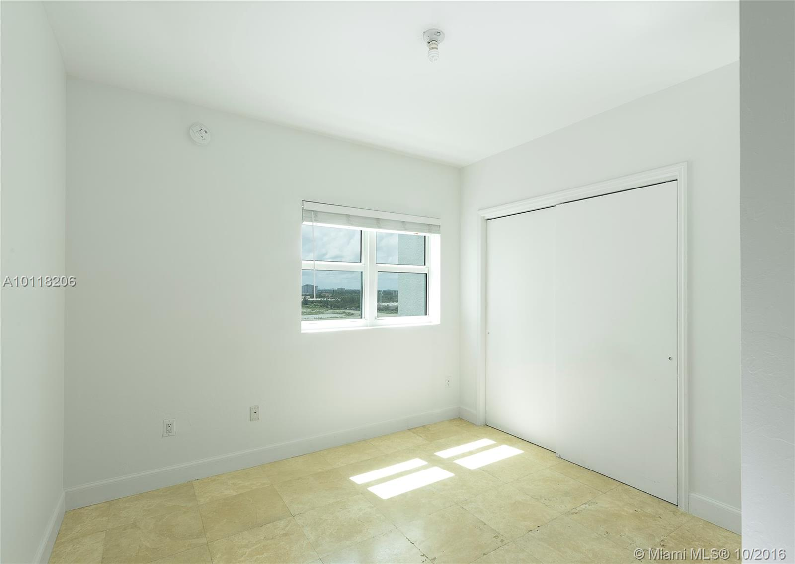 15051 Royal oaks ln-1106 miami--fl-33181-a10118206-Pic12
