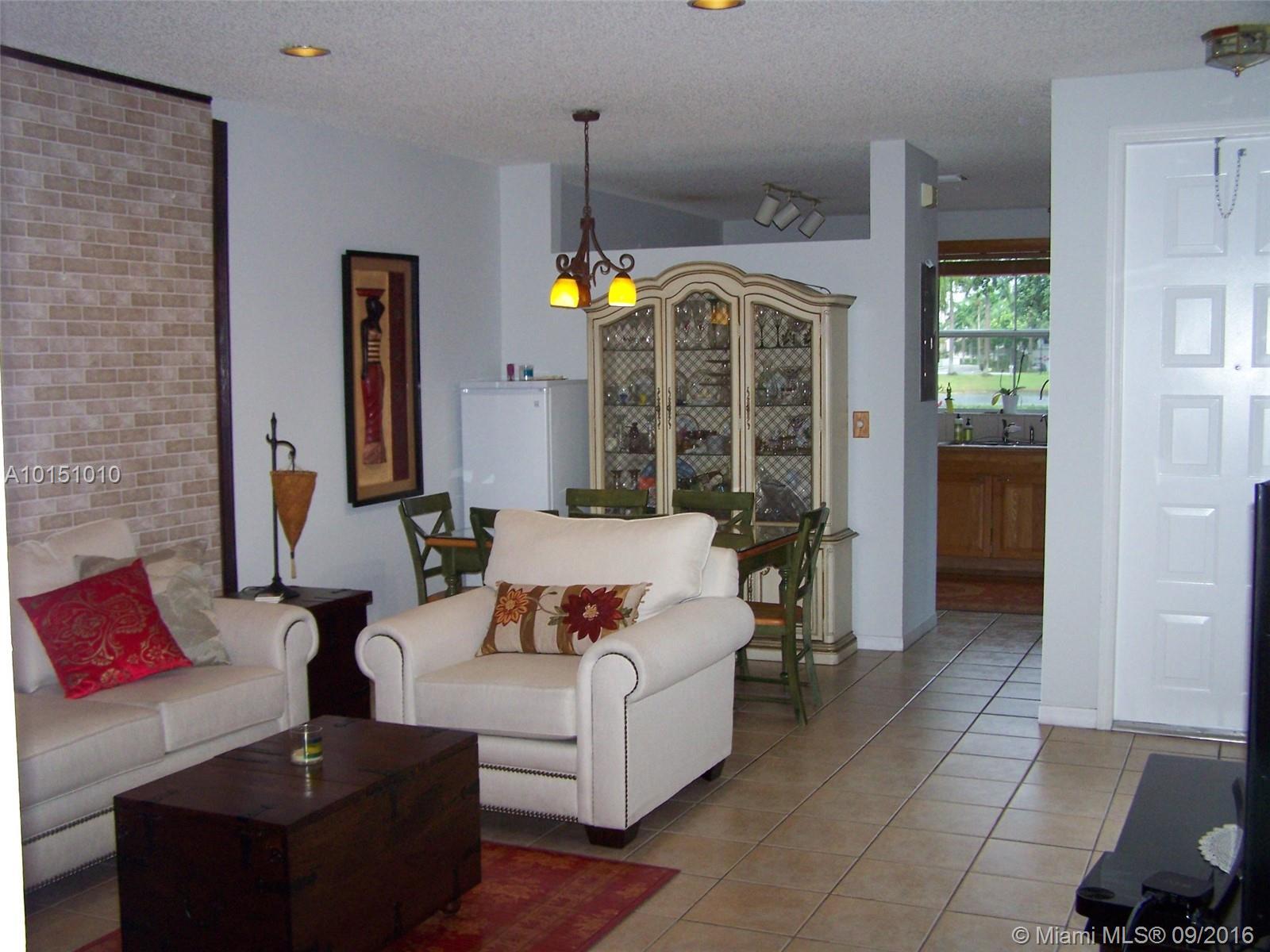 1070 Redwood st-1070 hollywood--fl-33019-a10151010-Pic04
