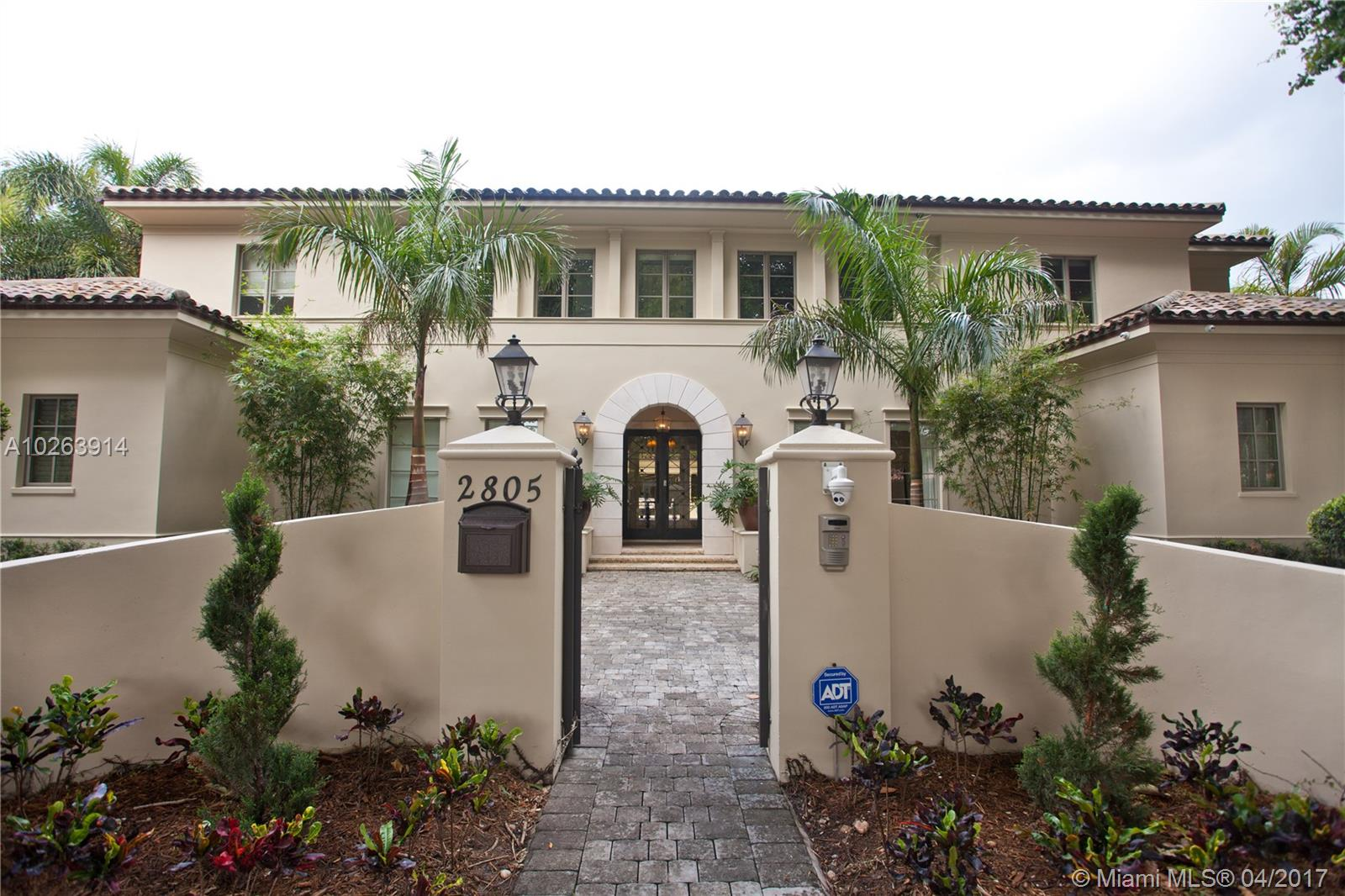 2805 Columbus Blvd - Coral Gables, Florida