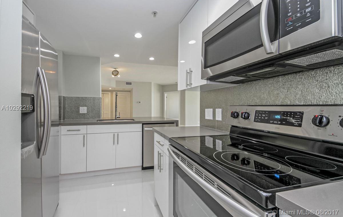 701 Brickell Key Blvd #1605, Miami FL, 33131