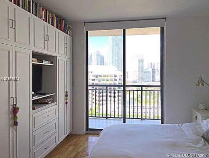 540 Brickell Key Dr #1809, Miami FL, 33131