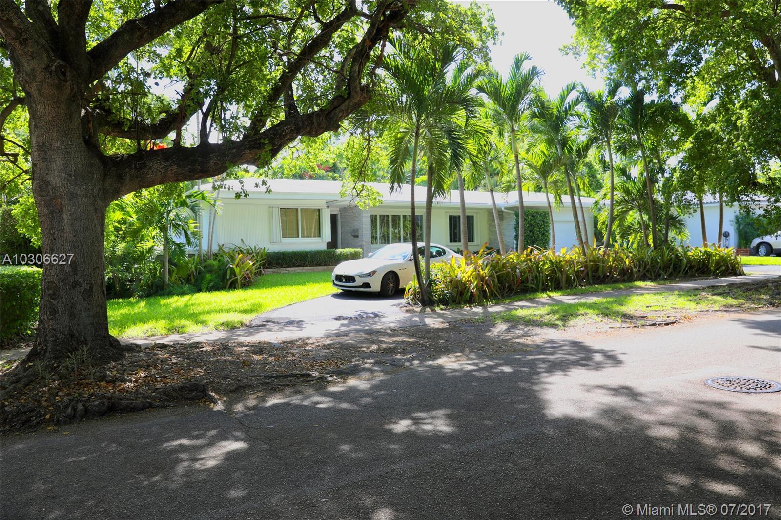 210 S Shore Dr - Miami, Florida