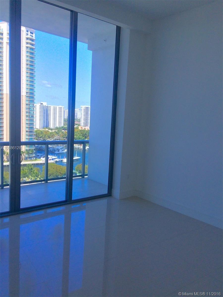 3300 188th-PH10 aventura--fl-33180-a10186128-Pic21