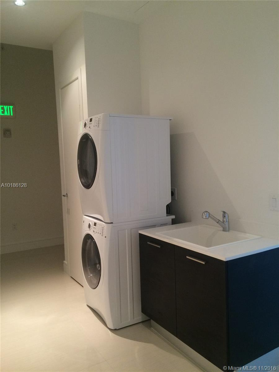 3300 188th-PH10 aventura--fl-33180-a10186128-Pic31