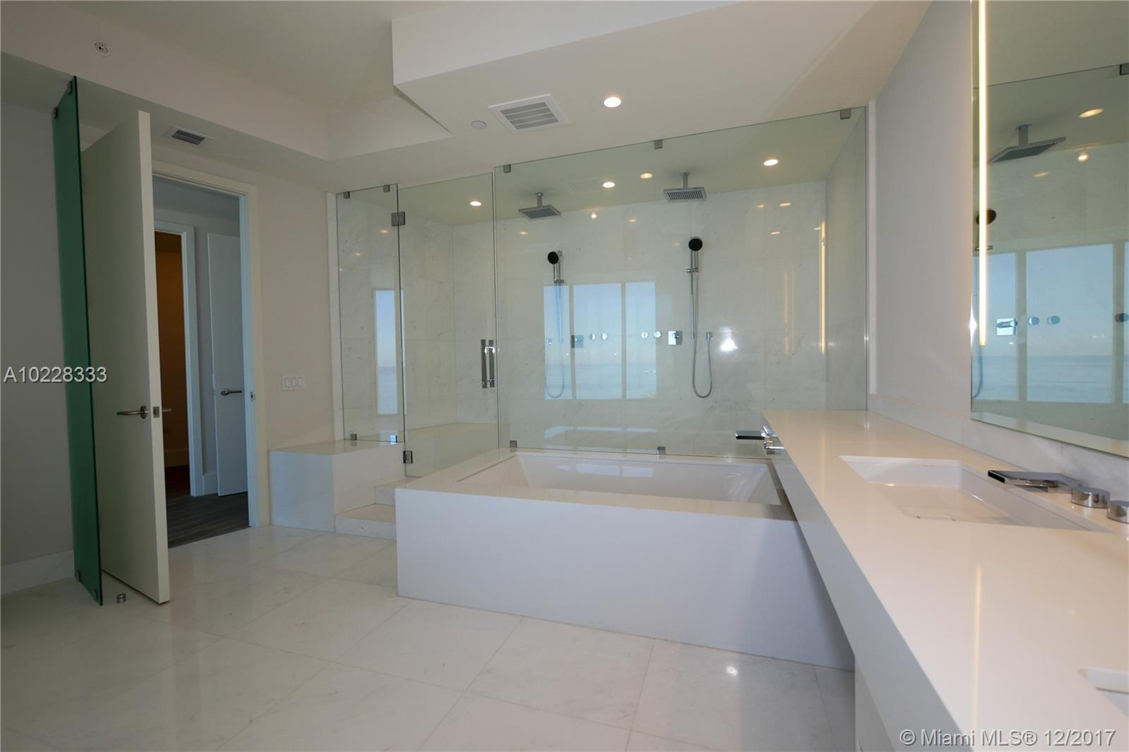 18555 Collins ave-3905 sunny-isles-beach--fl-33160-a10228333-Pic06