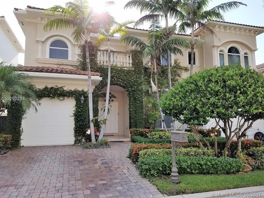 1190 HATTERAS LN - Hollywood, Florida