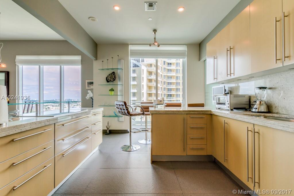 900 Brickell Key # 1803, Miami, FL 33131