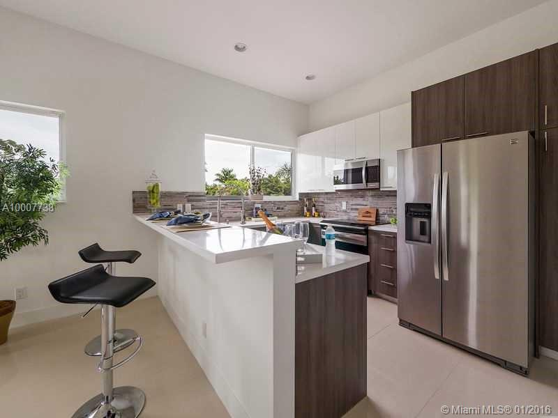 645 9th ave-D fort-lauderdale--fl-33304-a10007738-Pic03