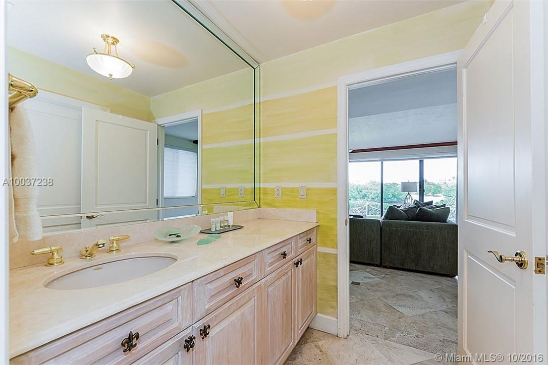 6100 Paradise point dr-0000 palmetto-bay-fl-33157-a10037238-Pic27
