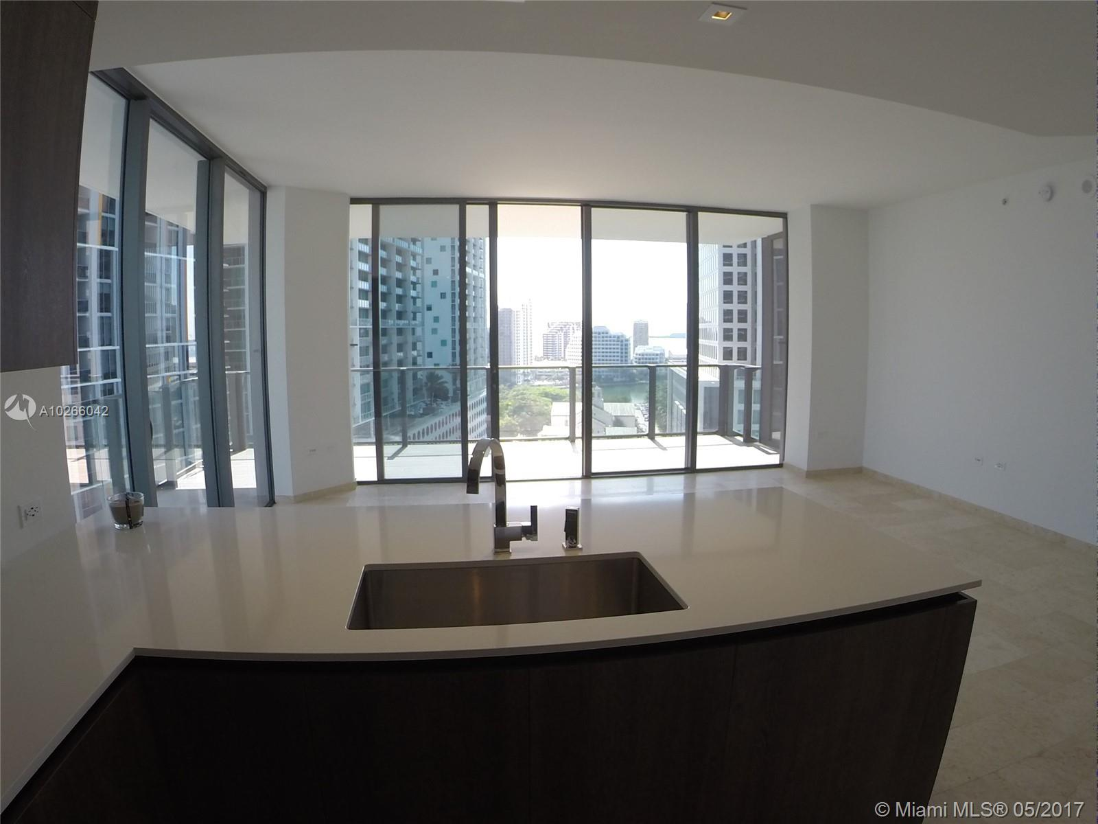 68 6th st-1111 miami--fl-33131-a10266042-Pic15