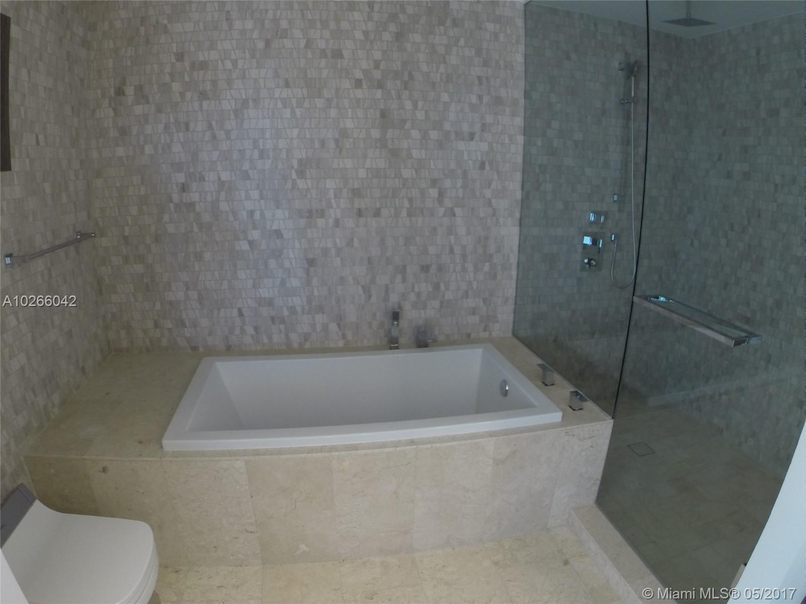 68 6th st-1111 miami--fl-33131-a10266042-Pic22