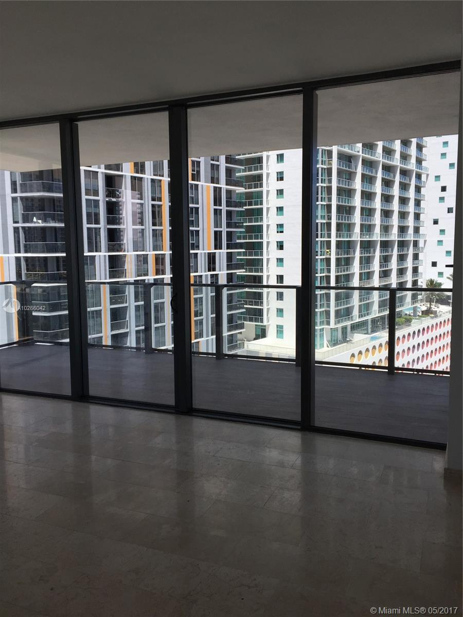 68 6th st-1111 miami--fl-33131-a10266042-Pic07