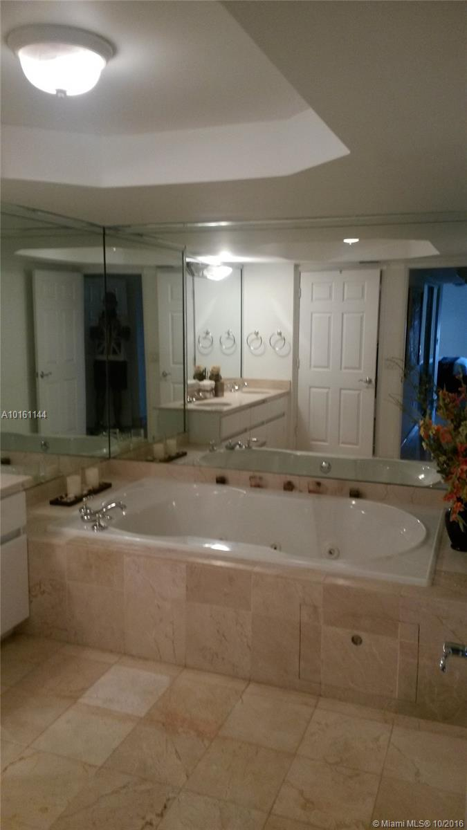16711 Collins ave-1905 sunny-isles-beach--fl-33160-a10161144-Pic03