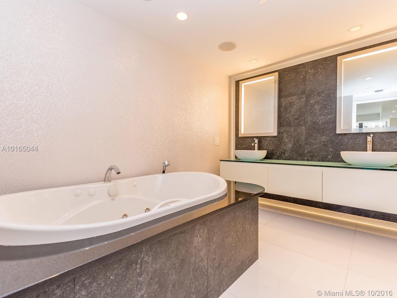 10205 Collins ave-705 bal-harbour--fl-33154-a10165044-Pic25