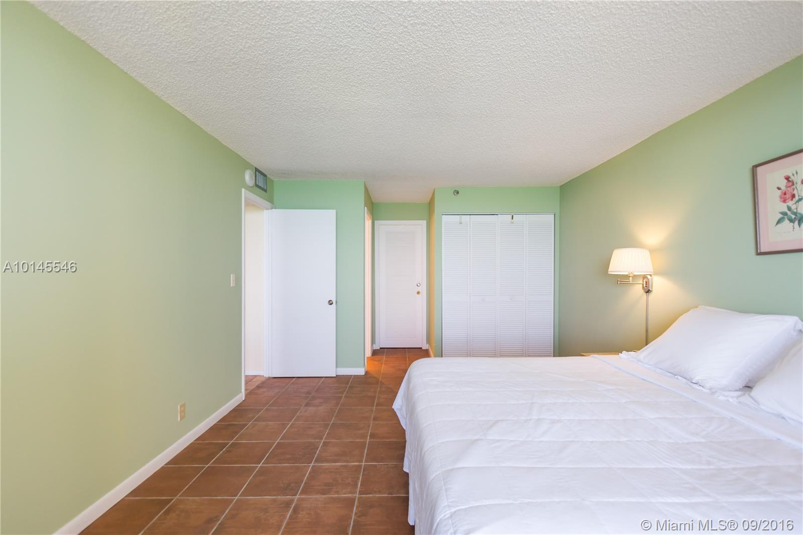 2555 Collins ave-903 miami-beach-fl-33140-a10145546-Pic18