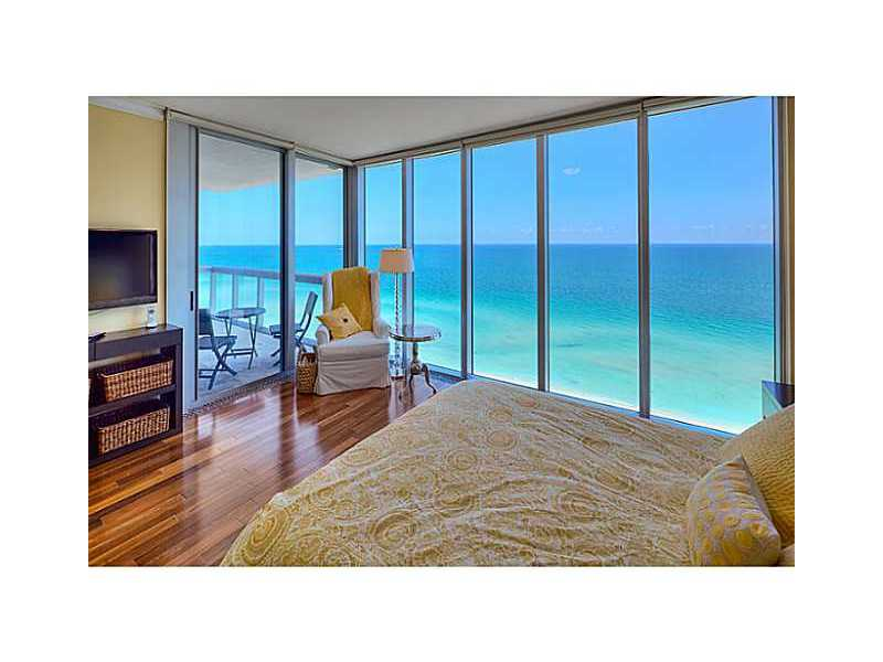 Canyon Ranch Miami Beach, 6899 Collins Avenue, 1505