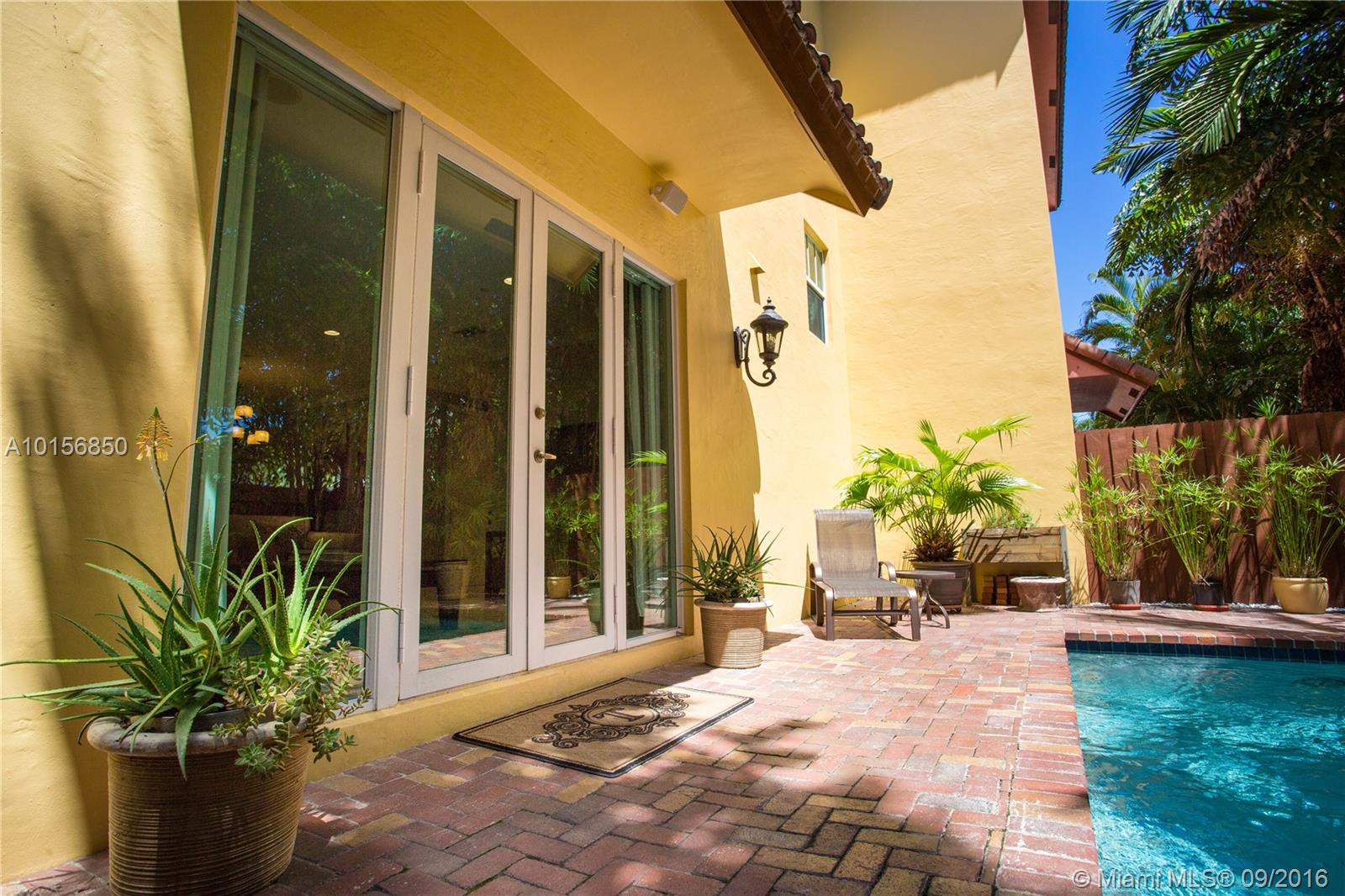 1132 17th way- fort-lauderdale--fl-33304-a10156850-Pic03