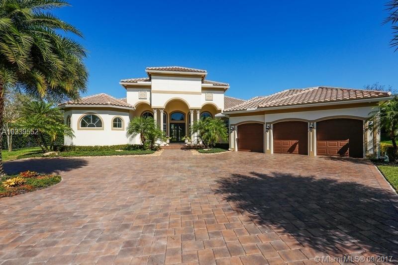 12401 N Stonebrook Cir - Davie, Florida