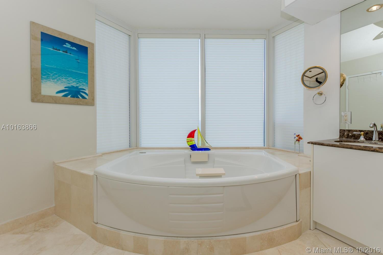 17555 Collins ave-3101 sunny-isles-beach--fl-33160-a10163866-Pic19