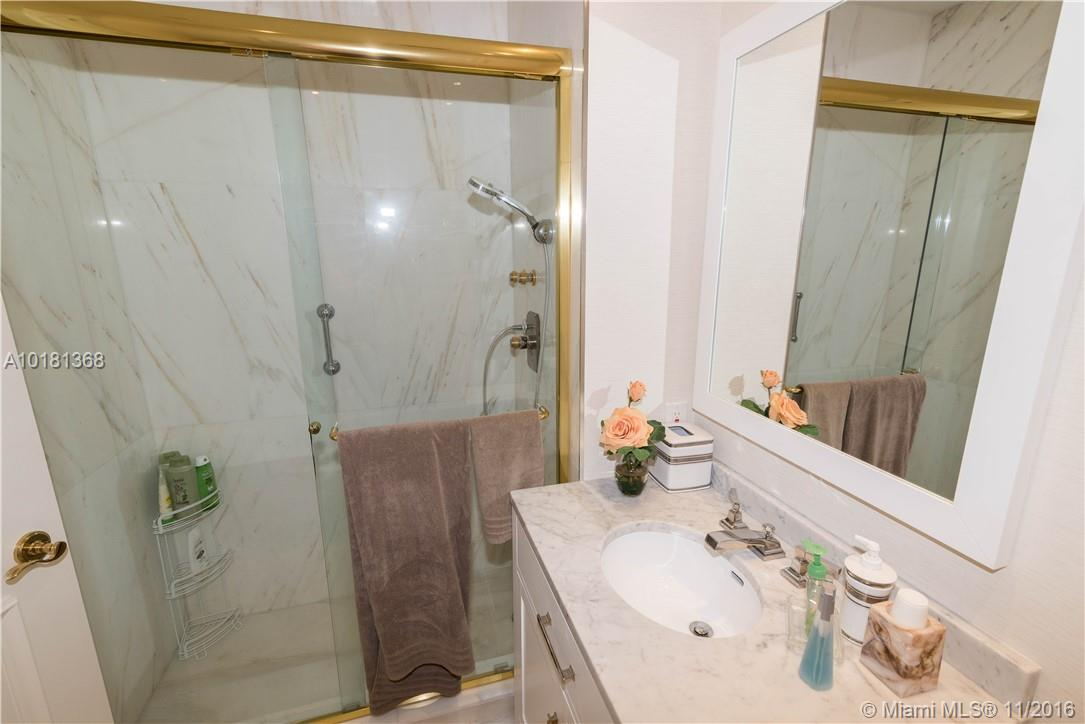 10101 Collins ave-19B bal-harbour--fl-33154-a10181368-Pic21