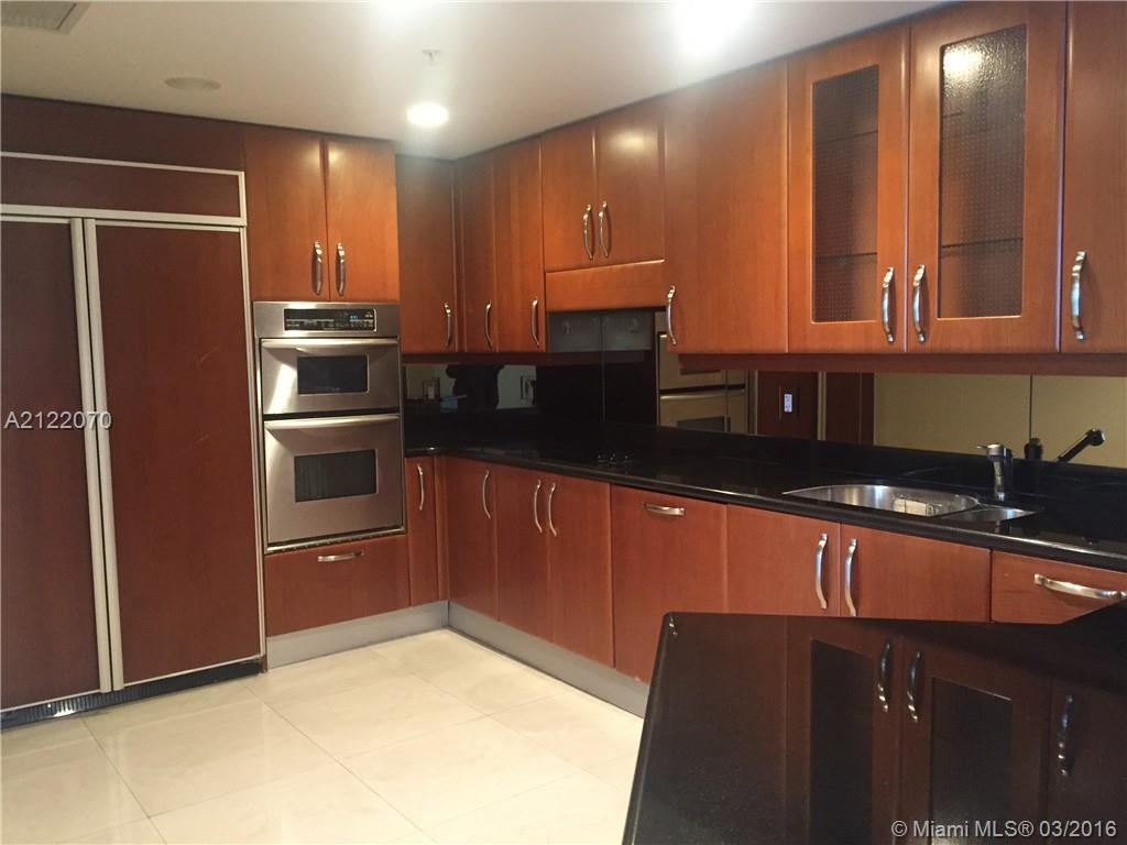 19400 Turnberry wy-1822 aventura--fl-33180-a2122070-Pic03