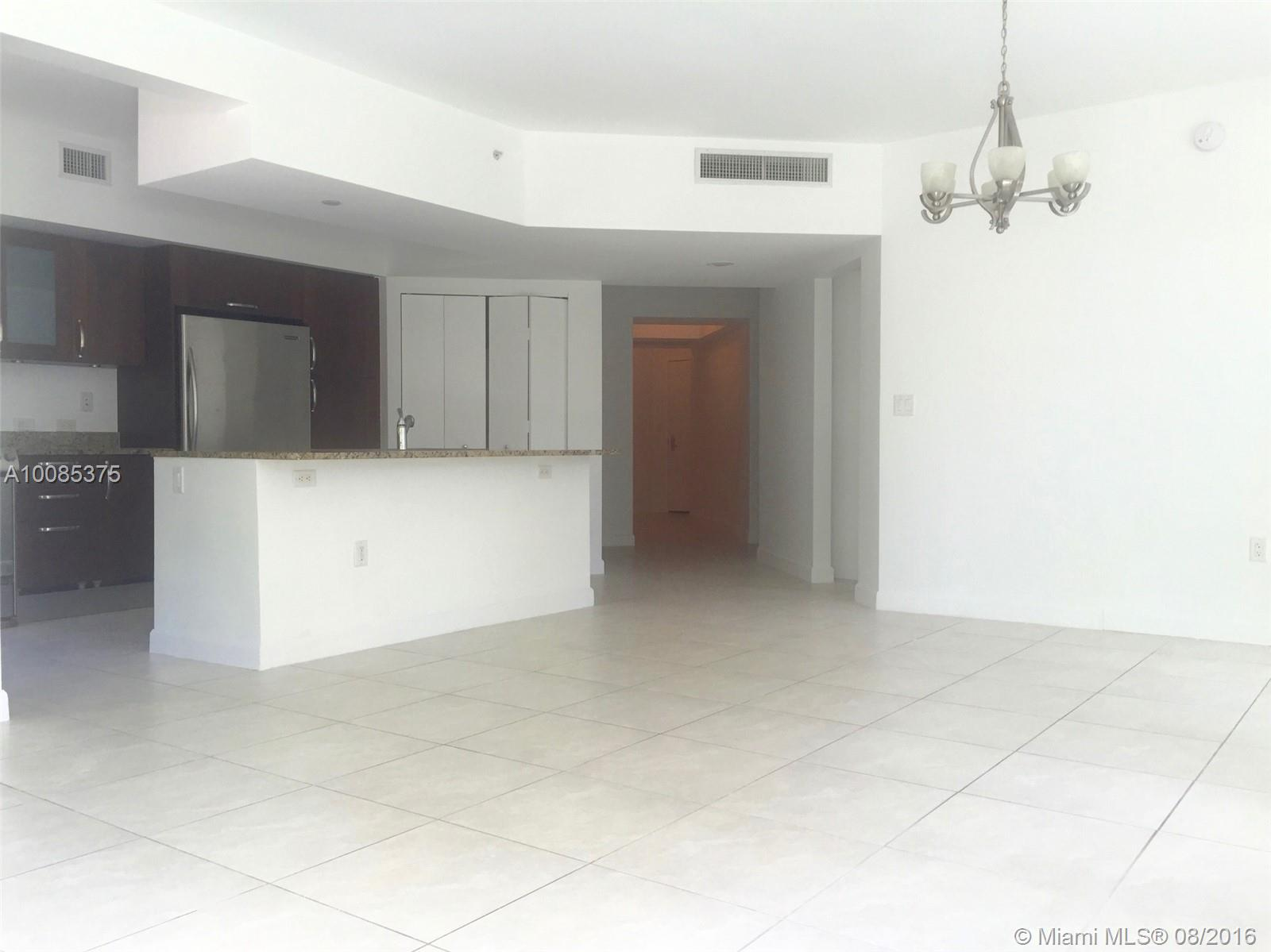20000 Country club dr-211 aventura--fl-33180-a10085375-Pic01