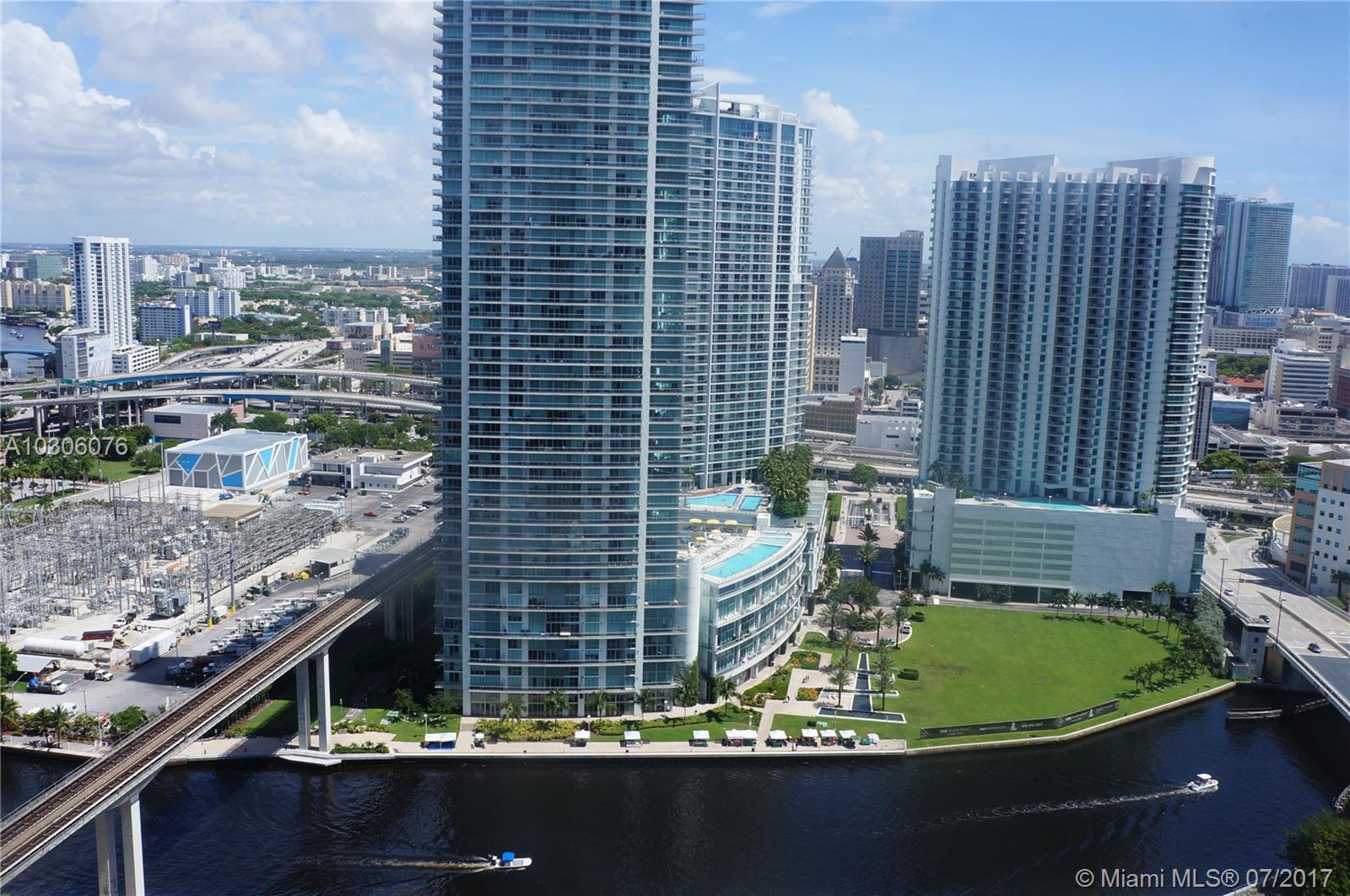 88 SW 7 St, 2711 - Miami, Florida