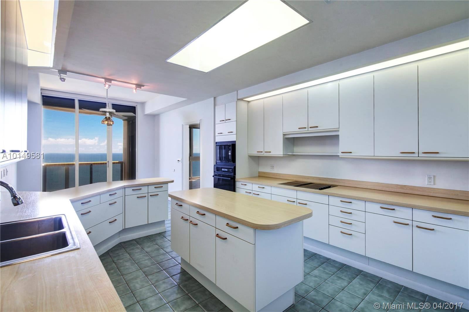 9999 Collins ave-PH3H bal-harbour--fl-33154-a10149581-Pic12
