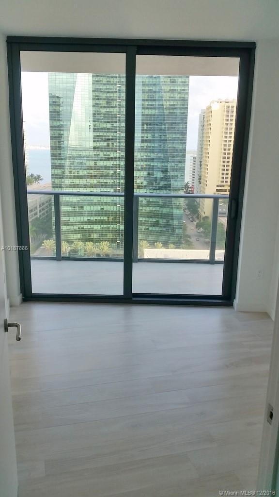1300 Miami av-1505 miami--fl-33130-a10187886-Pic18