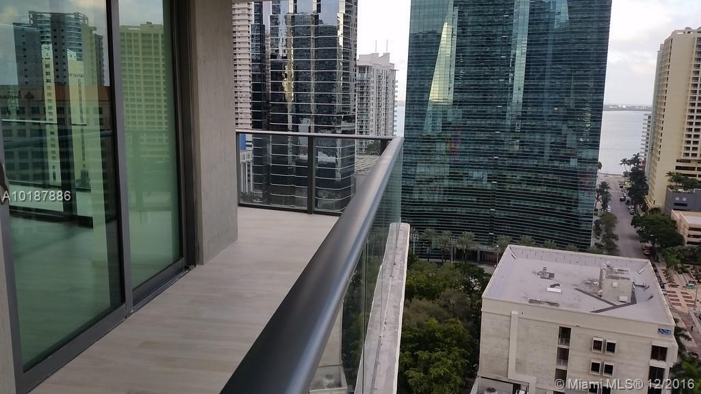 1300 Miami av-1505 miami--fl-33130-a10187886-Pic25