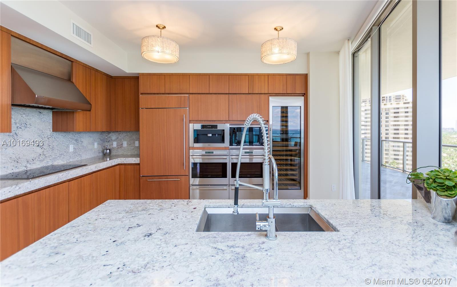 9703 Collins ave-1000 bal-harbour--fl-33154-a10169493-Pic12