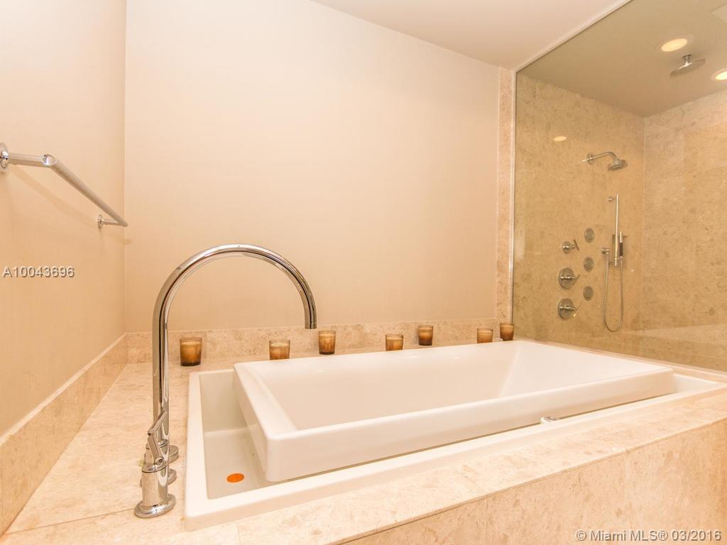 9703 Collins ave-PH-08 bal-harbour--fl-33154-a10043696-Pic31