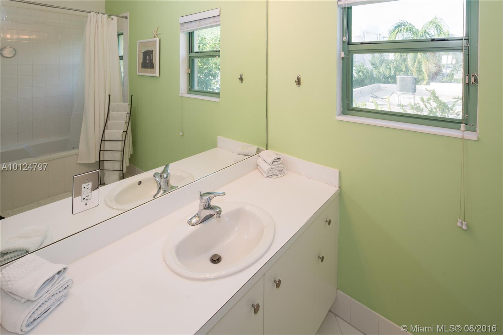 208 Jefferson ave-116 miami-beach--fl-33139-a10124797-Pic06