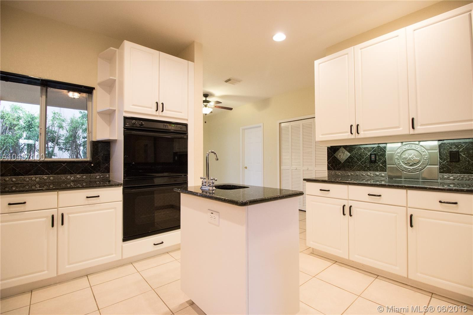 5613 Nw 108th Way, Coral Springs FL, 33076