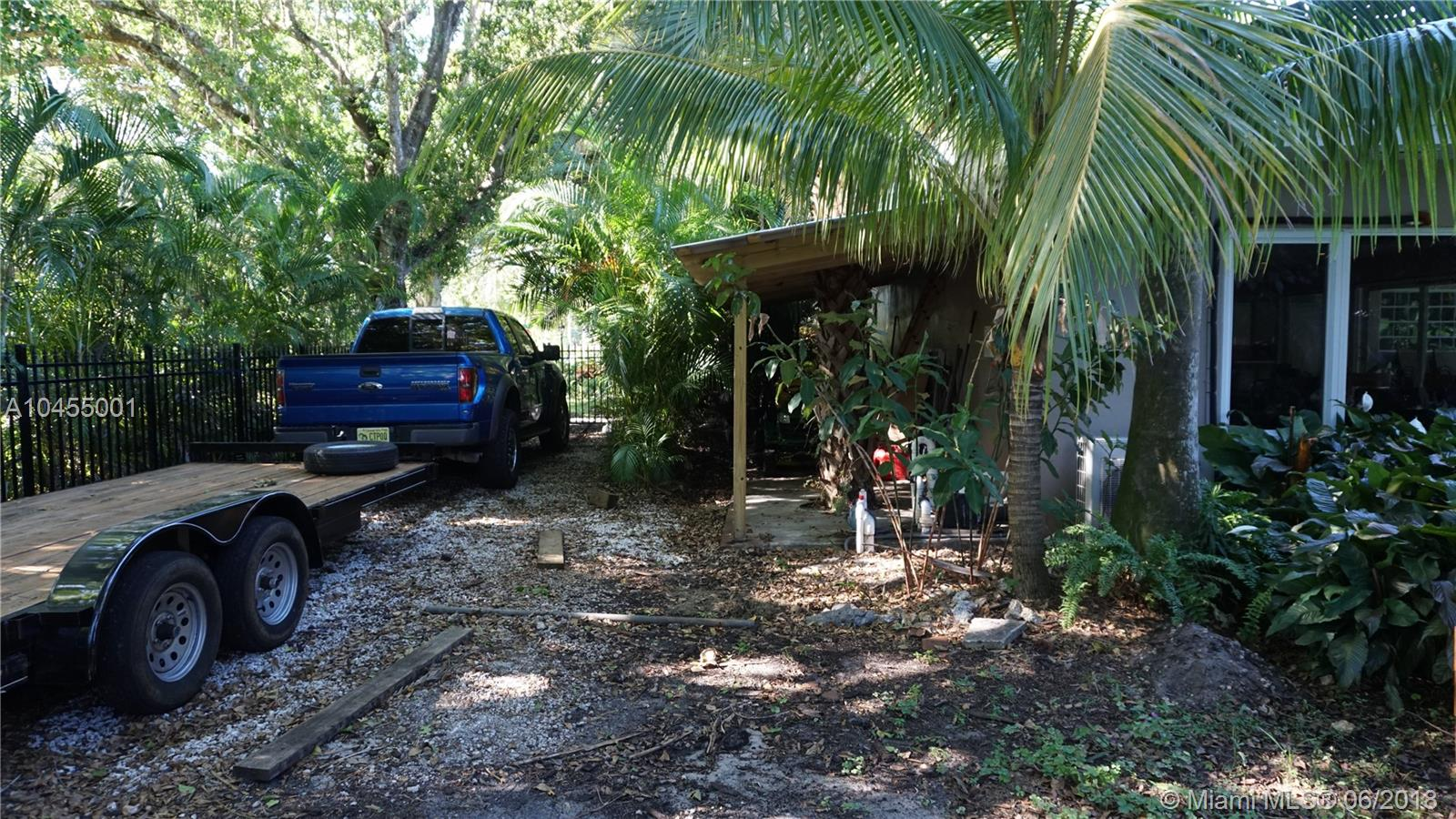 120 N Bel Air Dr, Plantation FL, 33317