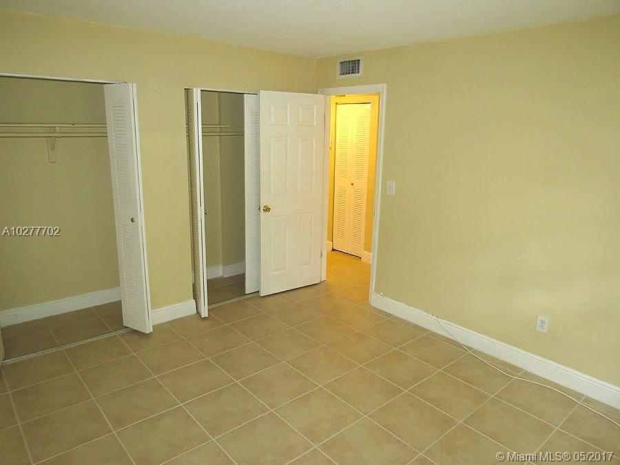 8650 SW 109 AV # 3-121, Kendall, FL 33173