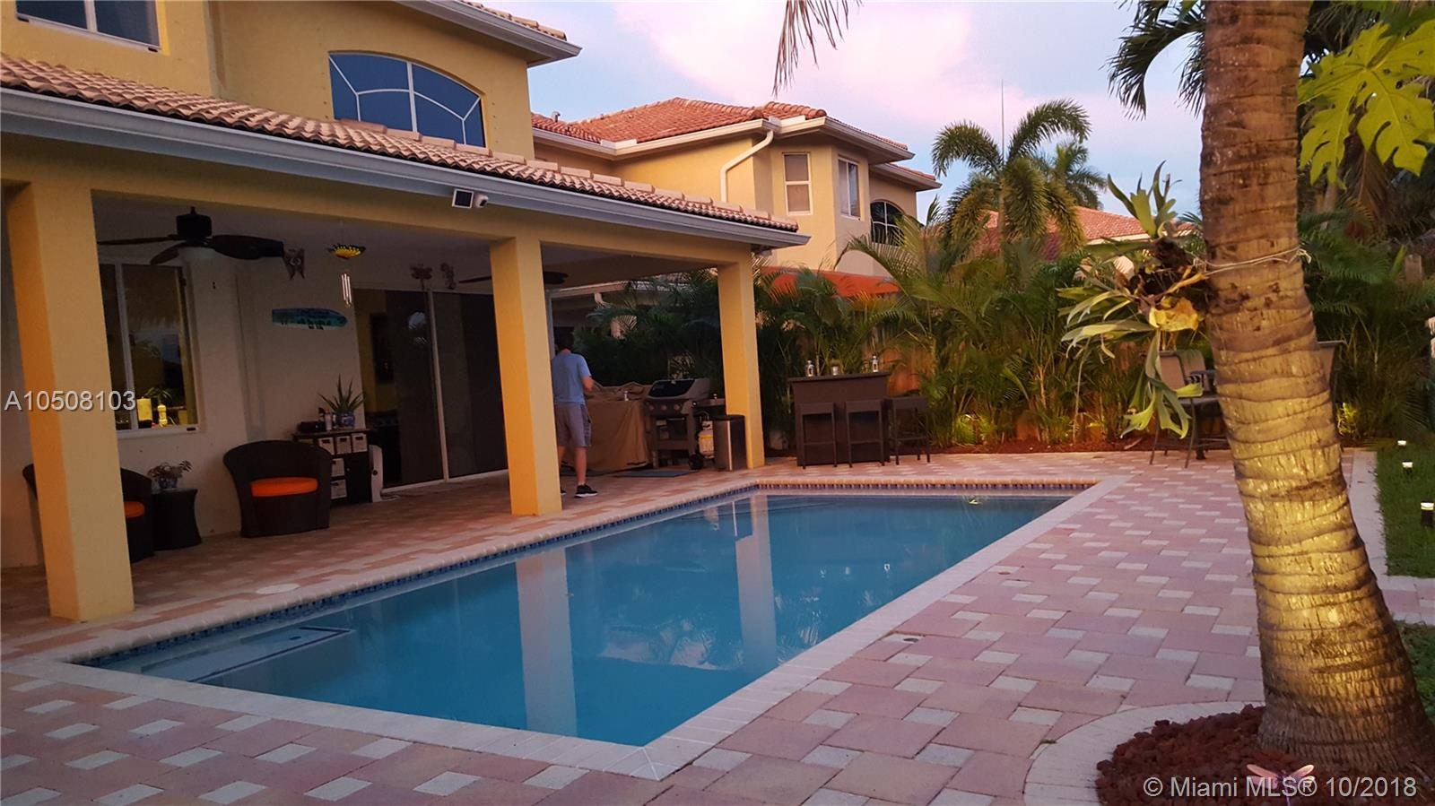 16350 Sw 68th Ter, Miami FL, 33193