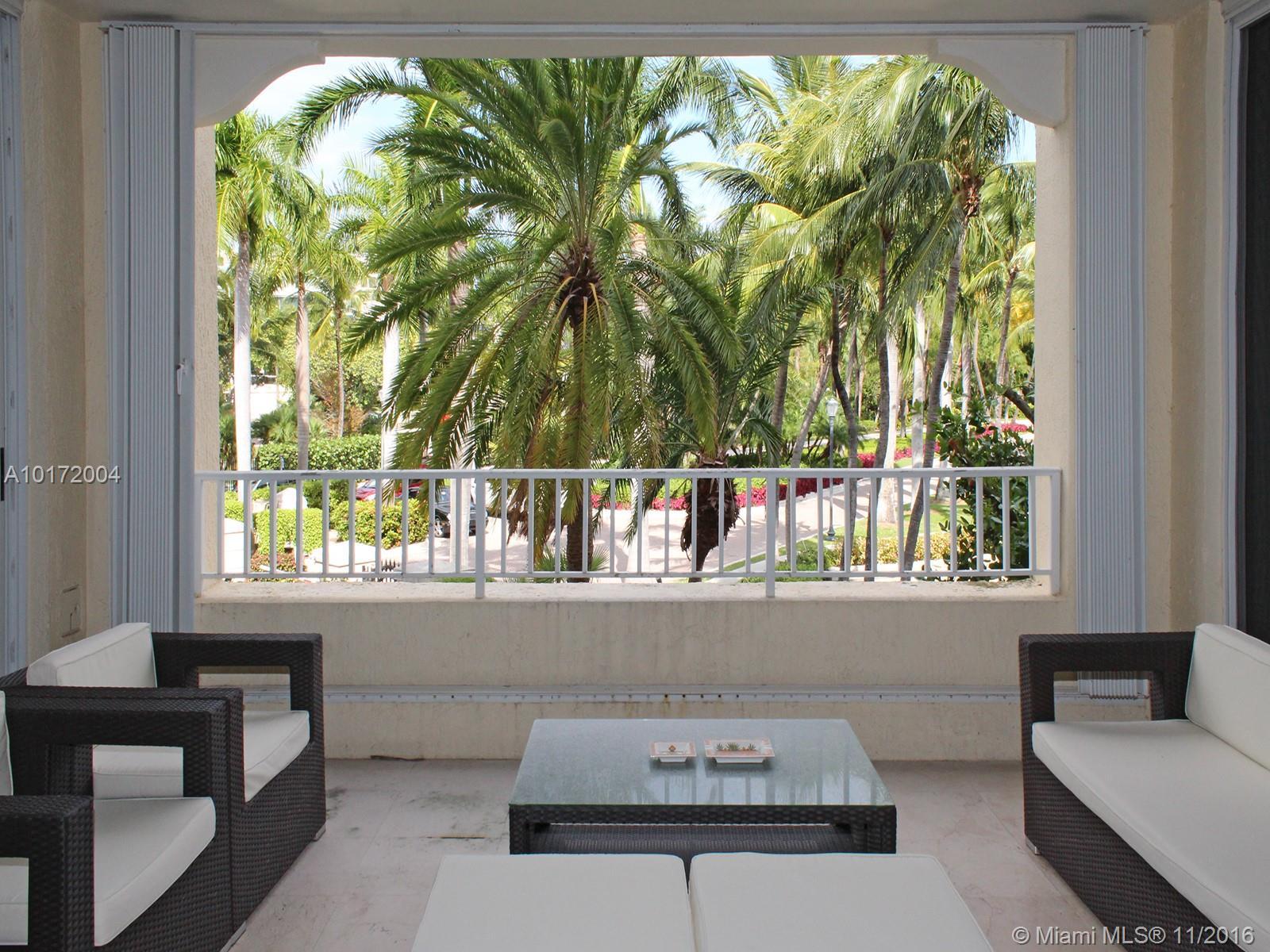 Ocean Lake Villa One