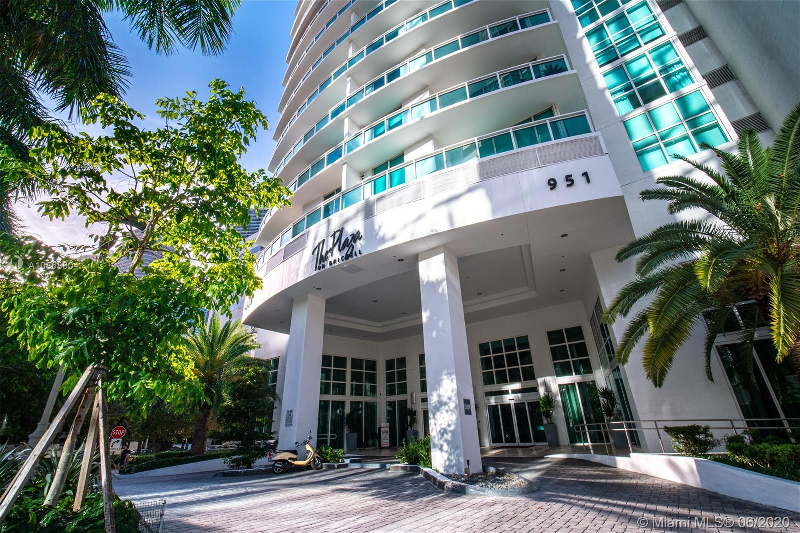 951 Brickell Ave #400