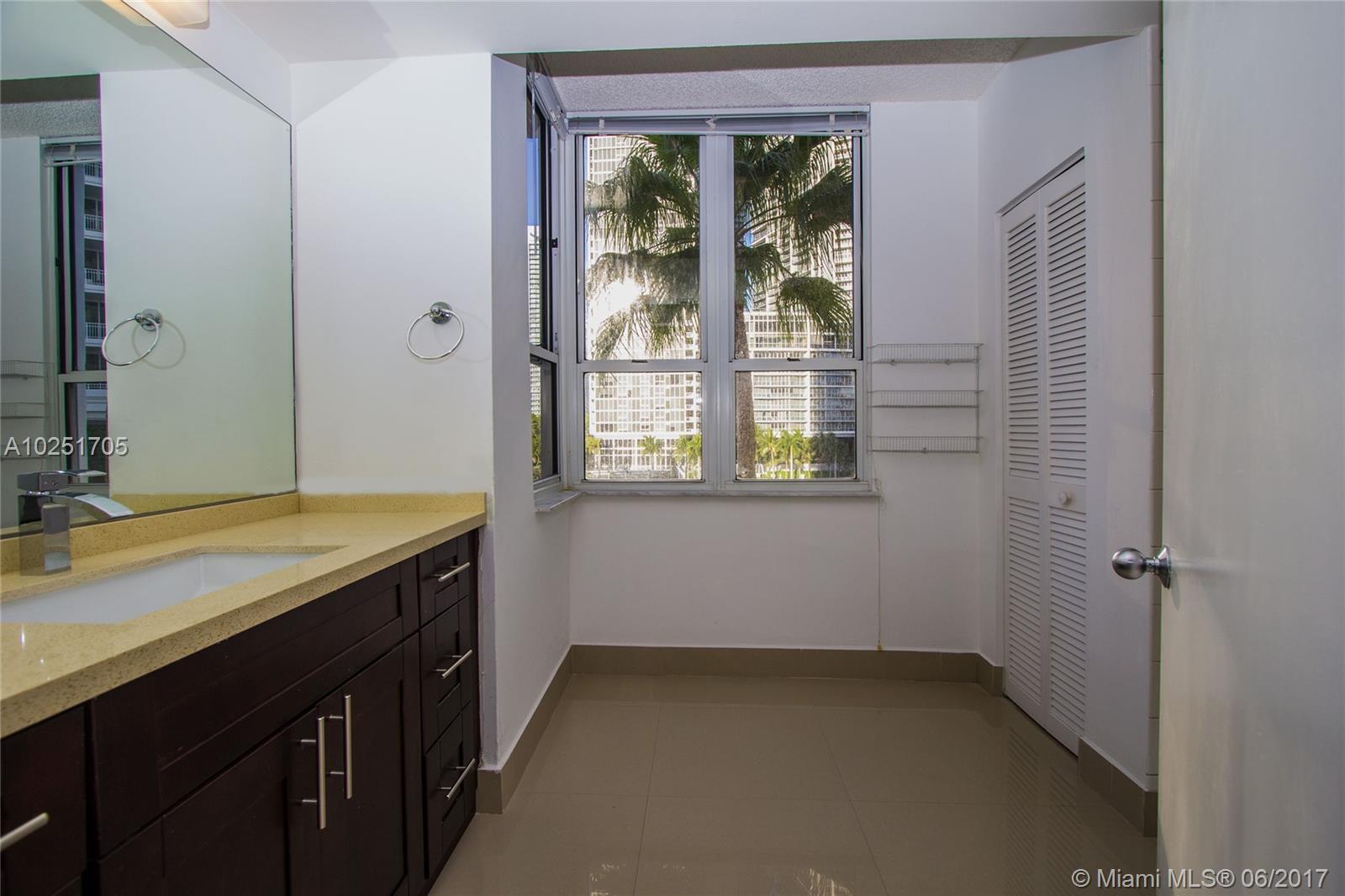 701 BRICKELL KEY BL # 403, Miami , FL 33131