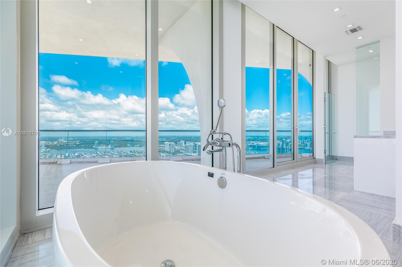 16901 Collins ave-5503 sunny-isles-beach-fl-33160-a10810706-Pic21