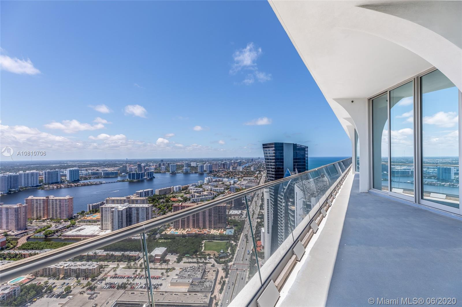 16901 Collins ave-5503 sunny-isles-beach-fl-33160-a10810706-Pic08