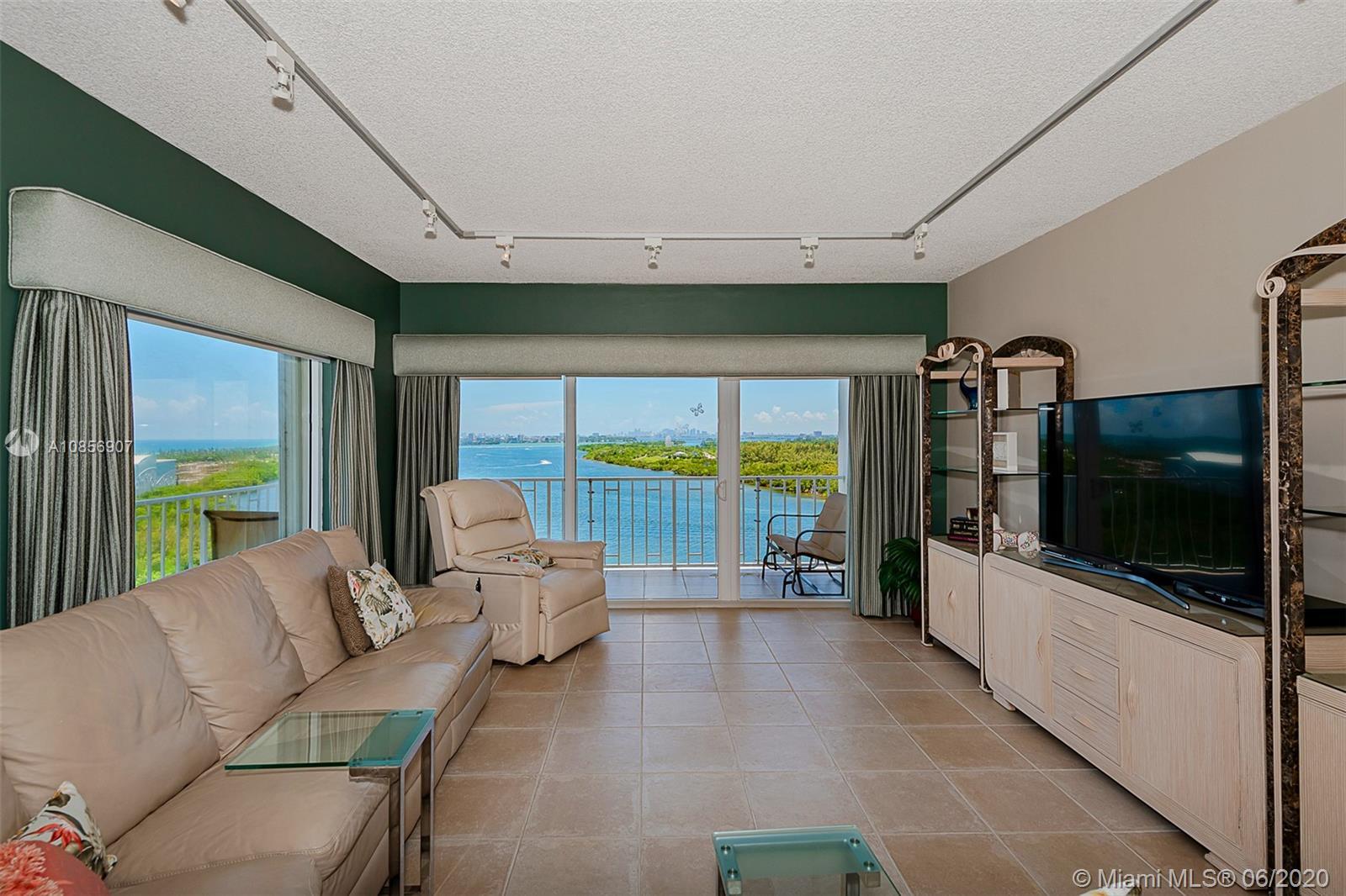 300 Bayview dr-1416 sunny-isles-beach-fl-33160-a10856907-Pic14
