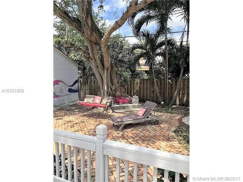 789 NE 80th St, Miami , FL 33138