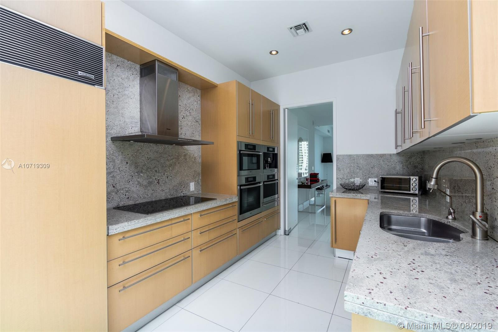 900 Brickell key blvd-2304 miami-fl-33131-a10719309-Pic10