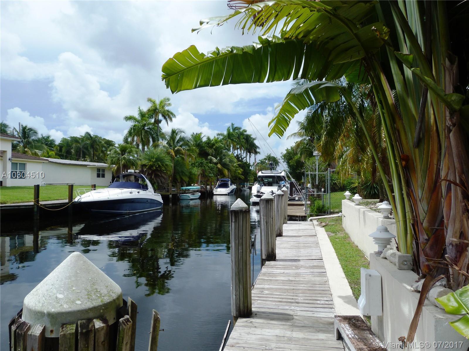 2554 Key Largo Ln, Fort Lauderdale, FL 33312