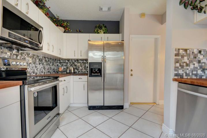 Spring Valley Townhouses - Pembroke Pines Florida Real ...