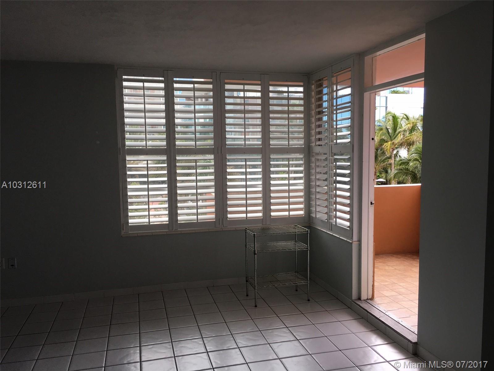 2899 Collins Ave # 425, Miami Beach, FL 33140