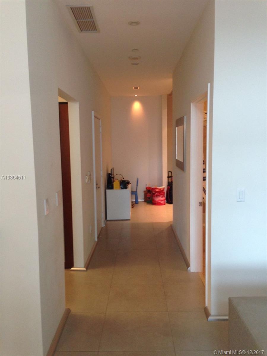 1331 Brickell Bay Dr # 611, Miami , FL 33131