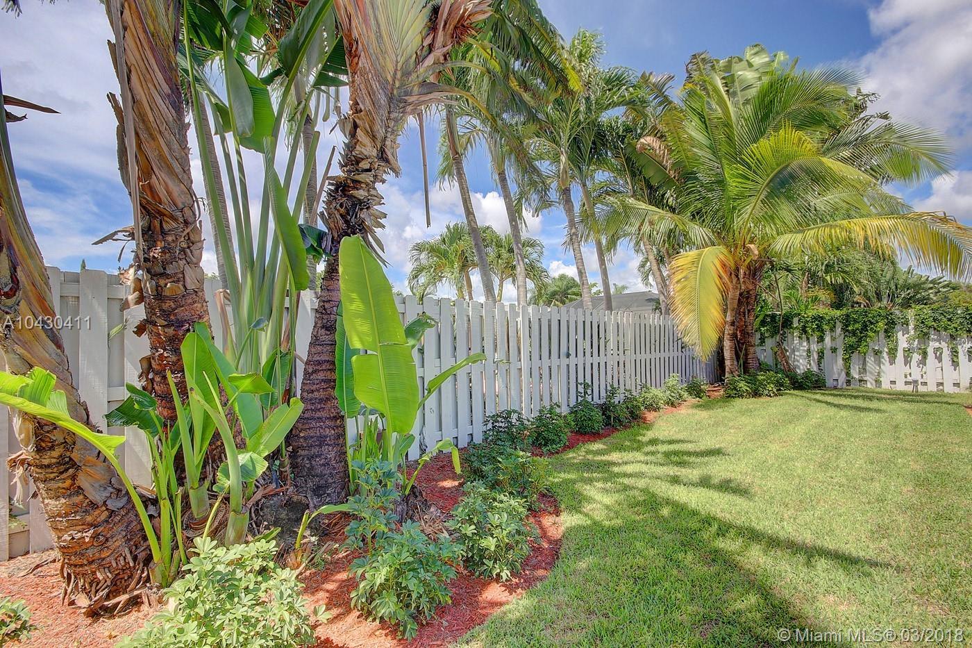 4938 Sarazen Dr, Hollywood FL, 33021
